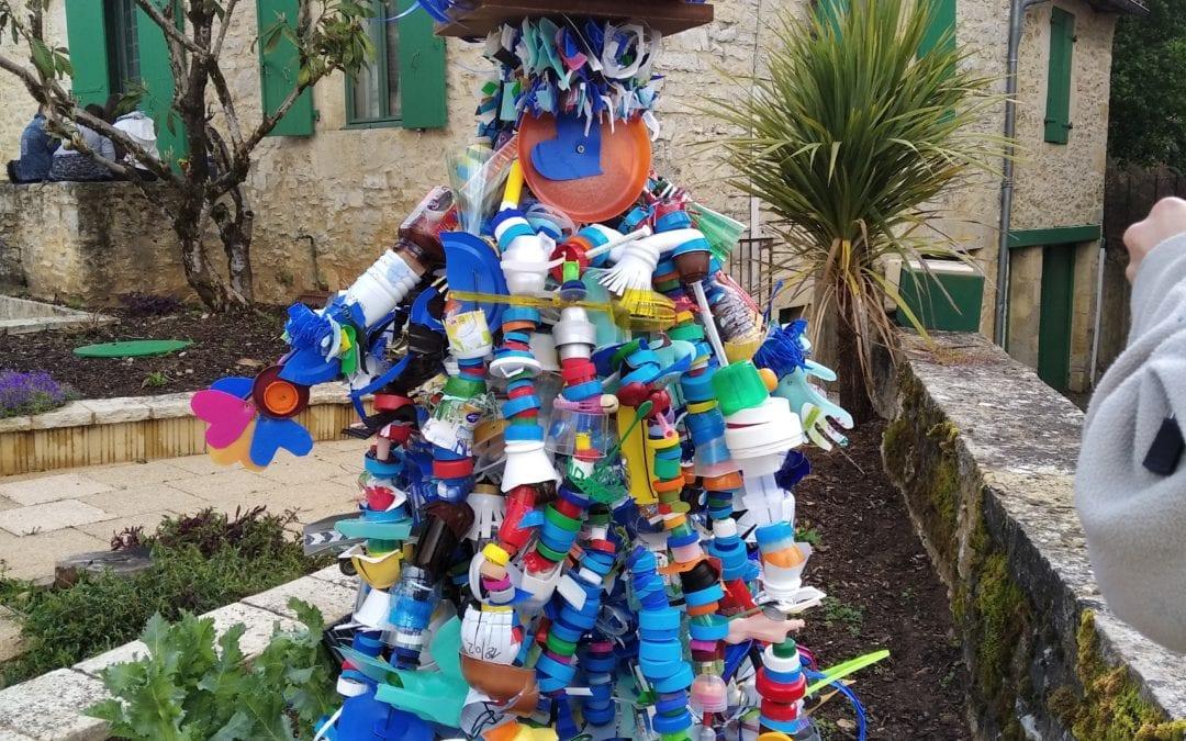 Atelier Recyclage des déchets à l'école de St Martial